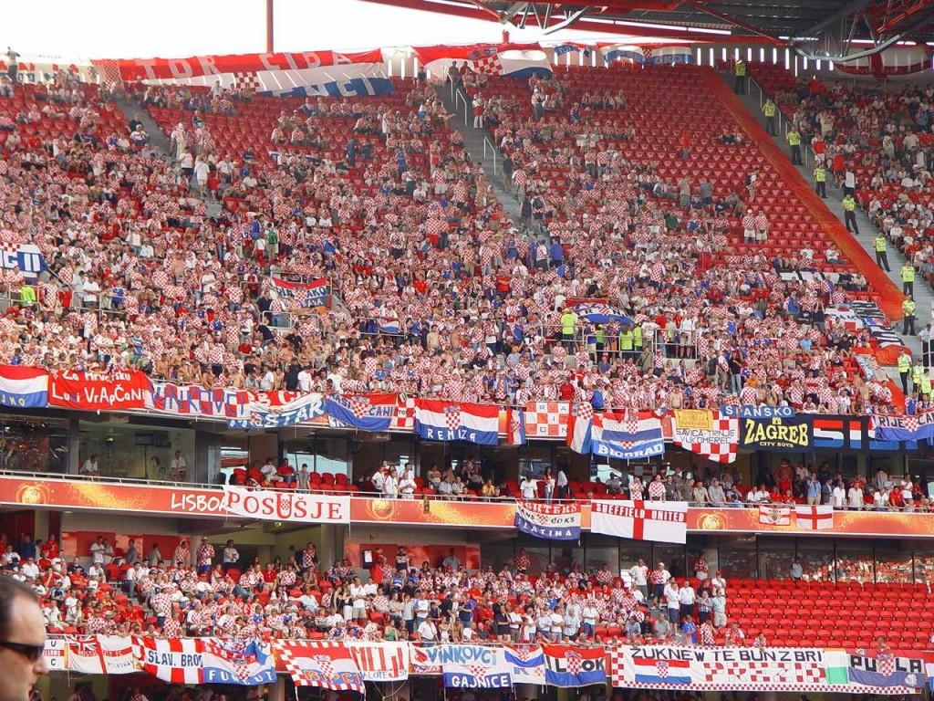 Hrvatski navjiači protiv Engleske