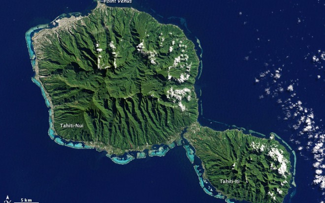 Tahiti_French_Polynesia_-_NASA_Earth_Observatory
