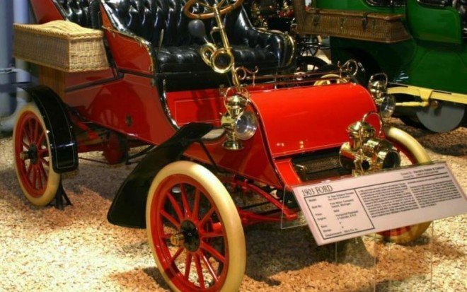 800px-1903-ford-archives