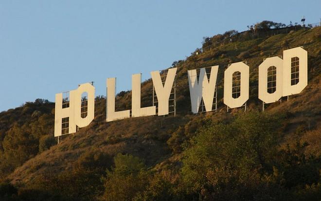 800px-HollywoodSignJAN09