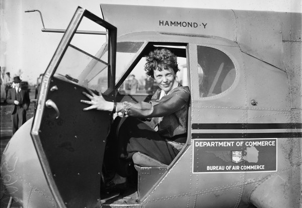 Amelia_Earhart_LOC_hec.40747-e1467267317667