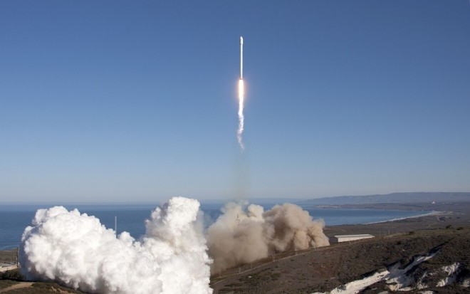 rocket-launch-693260_960_720
