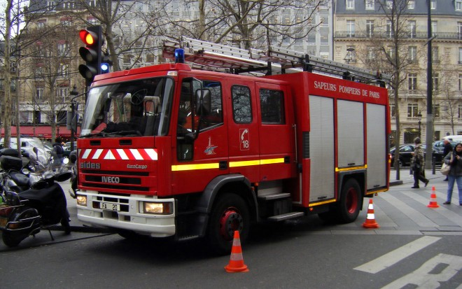 IVECO_camion_à_Pompiers_à_Paris