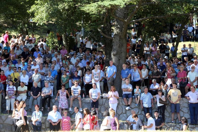 15.08.2016., Rijeka - Proslava blagdana Velike Gospe u trsatskom svetistu. Mise se odrzavaju u perivoju svetista. Photo: Goran Kovacic/PIXSELL