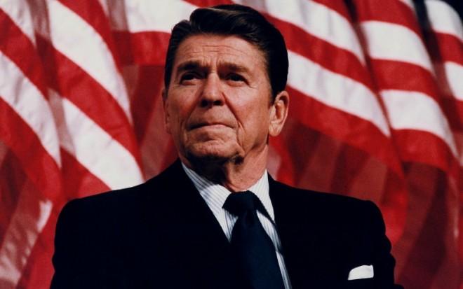 President_Reagan_speaking_in_Minneapolis_1982-e1470730315936