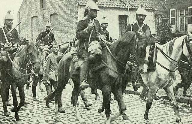 640px-French_cavalry_prisonners