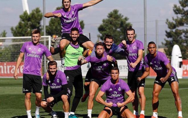 Facebook: C. Ronaldo (Official)