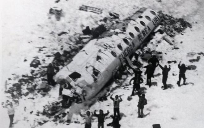 1972-andes-plane-crash-site-and-survivors1-e1476195965876