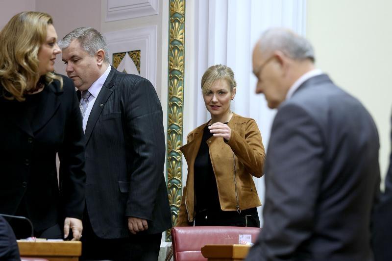 18.10.2016., Zagreb - Raspravom o prijedlozima zakona o HRT-u Sabor RH nastavio je svoju prvu sjednicu. Bruna Esih. Photo: Patrik Macek/PIXSELL