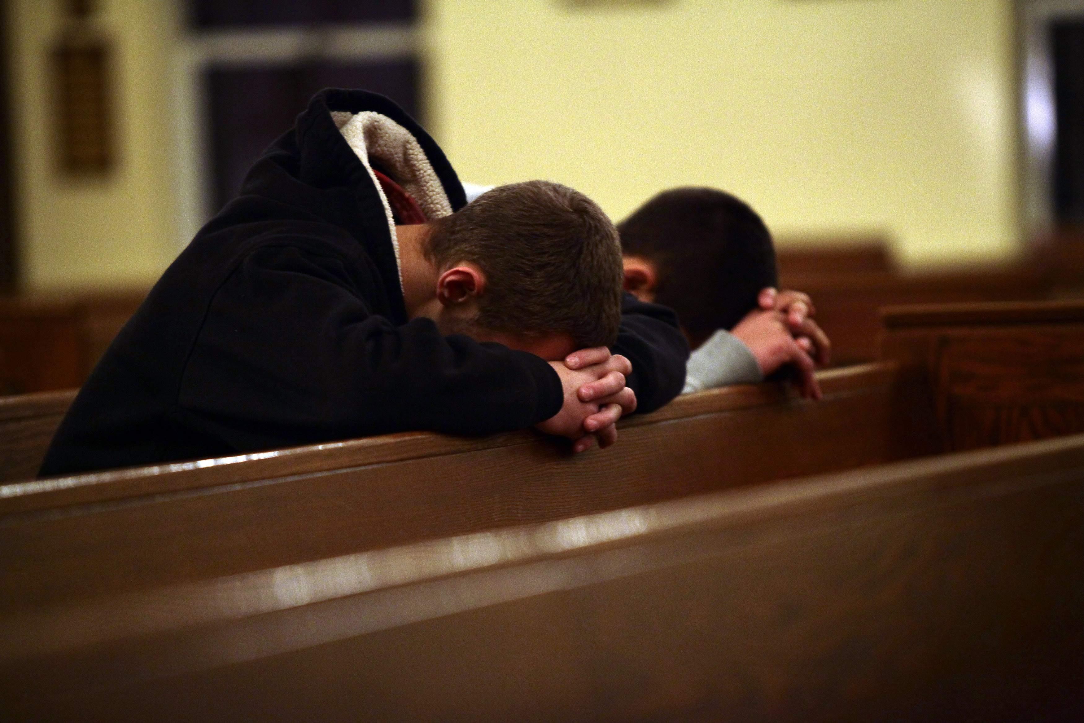 church offering prayer - HD1247×794