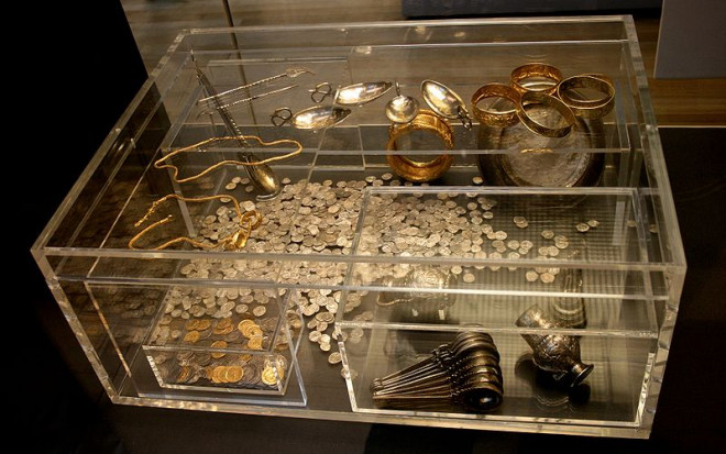 800px-hoxne_hoard_1