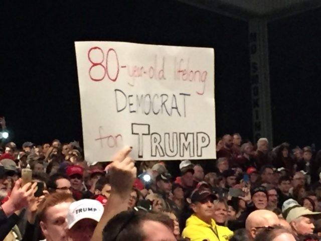 """""""80 godina, cijeli život Demokrat, za Trumpa"""""""