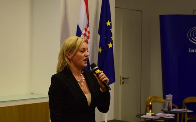 sanela-dropulic_autorica_voditeljica-virtualnog-zenskog-poduzetnickog-centra