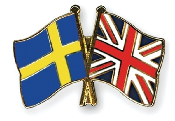 flag-pins-sweden-great-britain-1