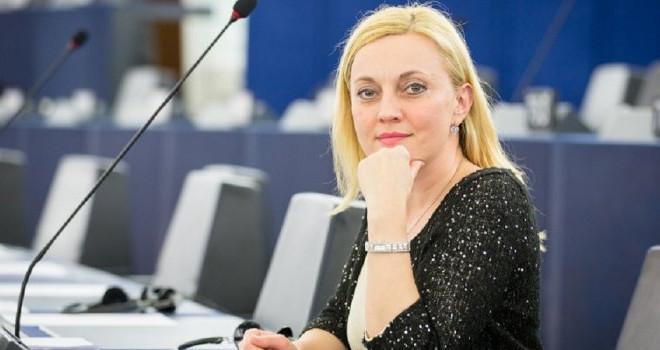 www.petir.eu