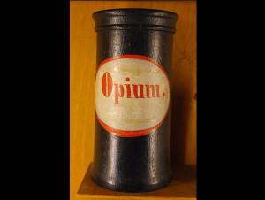 304px-apothecary_vessel_opium_18-19_century