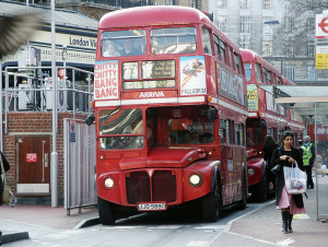 800px-routemaster_rml2588_jjd_588d_6_march_2004
