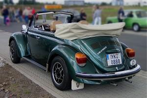 800px-2005-09-17_VW_1303_Cabriolet_Karmann