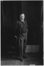 400px-Theodore_Roosevelt._-_NARA_-_298099