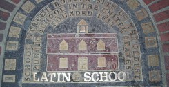 800px-Boston_Latin_Plaque