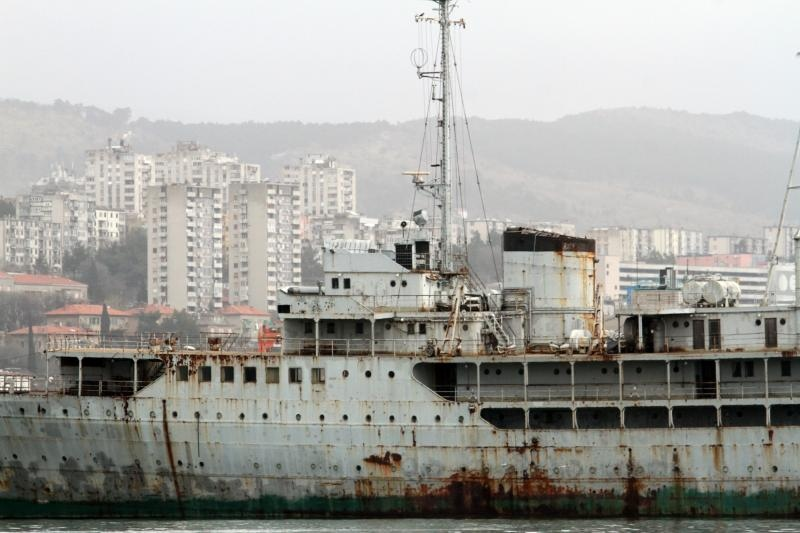 26.03.2015., Rijeka - Nekadasnji Titov brod Galeb na vezu u rijeckoj luci na dijelu Porto Baros. Photo: Goran Kovacic/PIXSELL