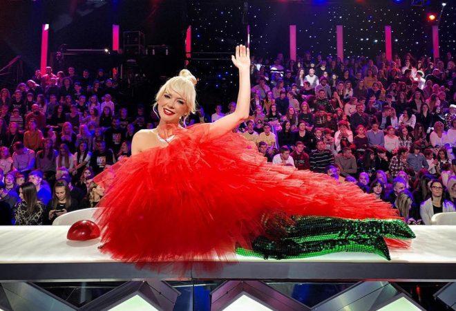 Obje Pretjerale Maja šuput Brutalno Iskopirala Jennifer Lopez