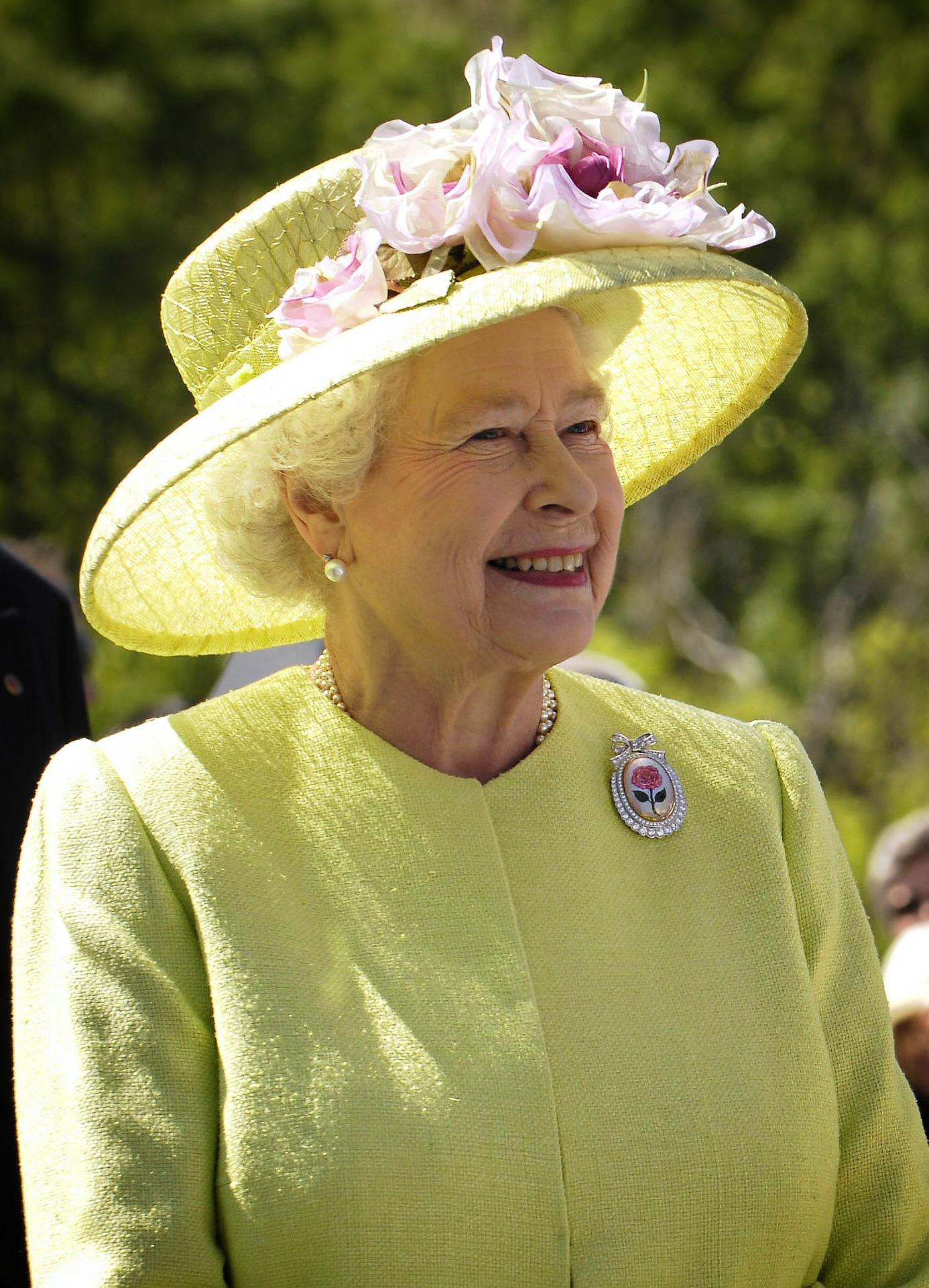 Kraljica traži osobu da joj stavlja fotografije na Instagram: Plaća 266 tisuća kuna!