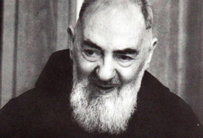 Image result for Padre Pio o nevjerojatnoj snazi samo jedne Zdravo Marije: Jedna molitva vrijedi više nego..