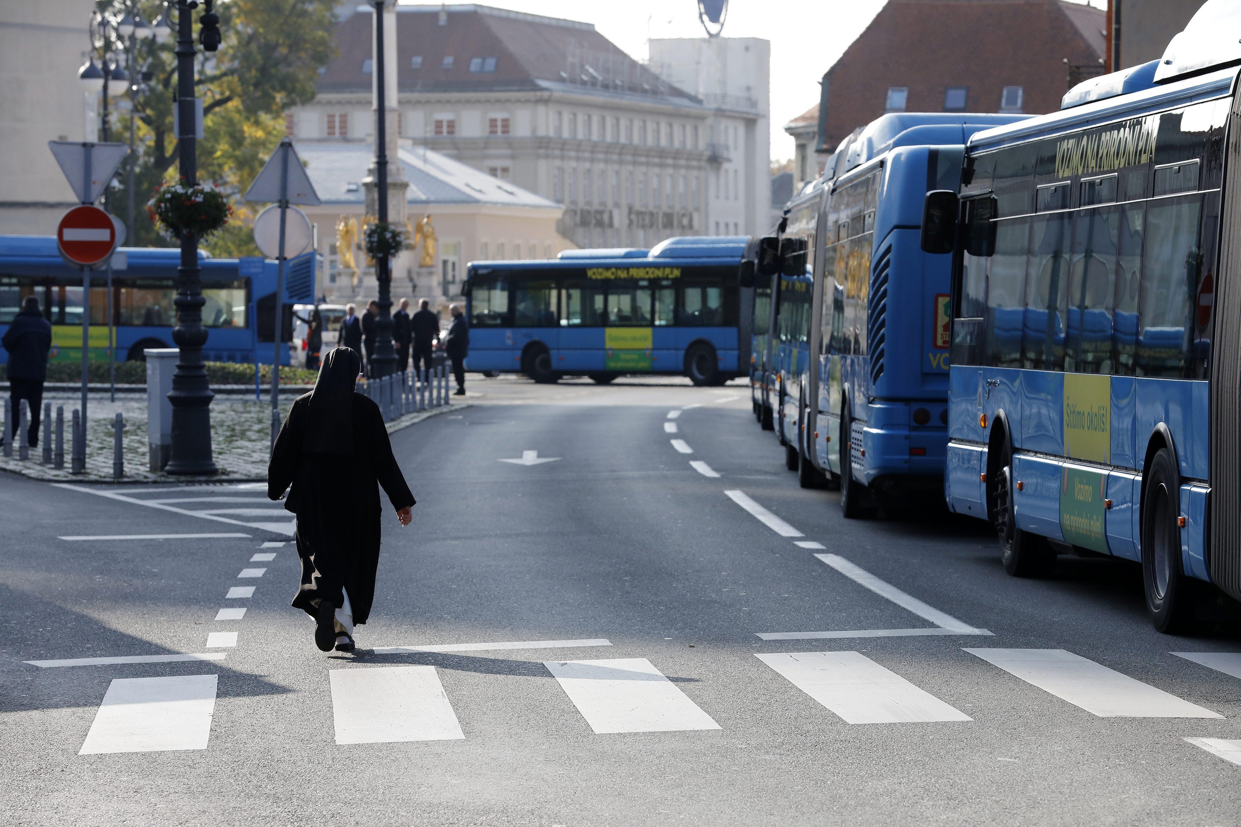 Ovo Je Izvanredni Vozni Red Autobusa U Zagrebu Doznajte Koje Linije Su Vam Na Raspolaganju Dnevno Hr