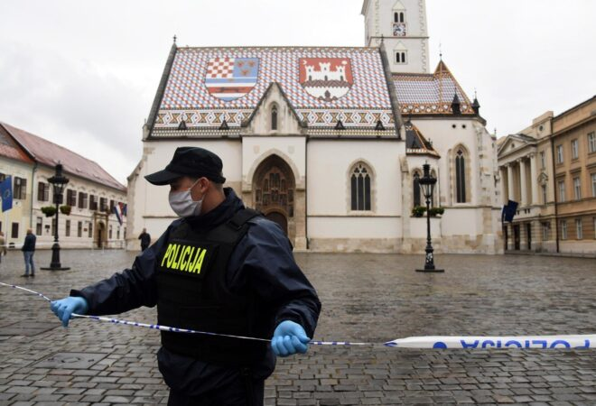 HELIKOPTER NADLIJEĆE MARKOV TRG: Ranjeni policajac je operiran, stanje mu  je stabilno | Dnevno.hr
