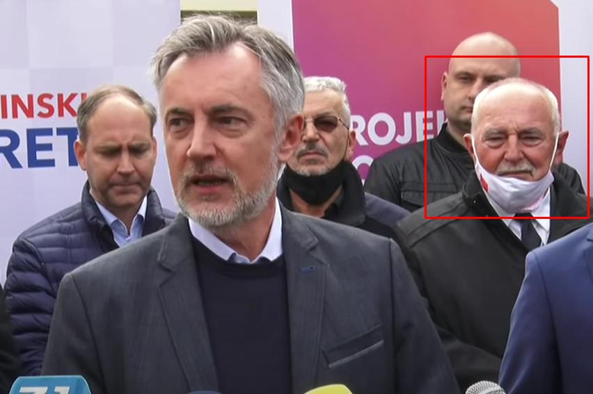 FOTO) OTAC TOMISLAVA TOMAŠEVIĆA PODRŽAVA ŠKORU! Tko je Smiljan Tomašević?  'Sa sinom ne dijelim svjetonazor'! Danas ih uhvatile i kamere | Dnevno.hr