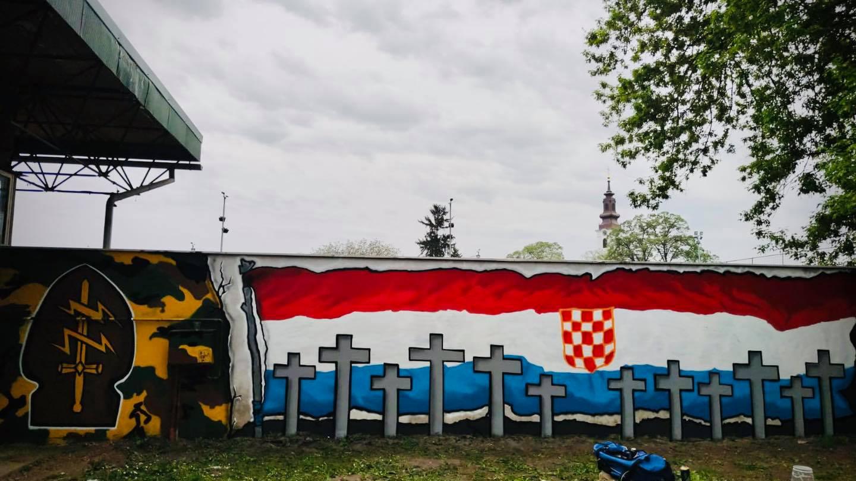 BBB ODUŠEVIO! Iza spomenika pobijenim redarstvenicima Borova Sela oslikali  divan mural - Dnevno.hr