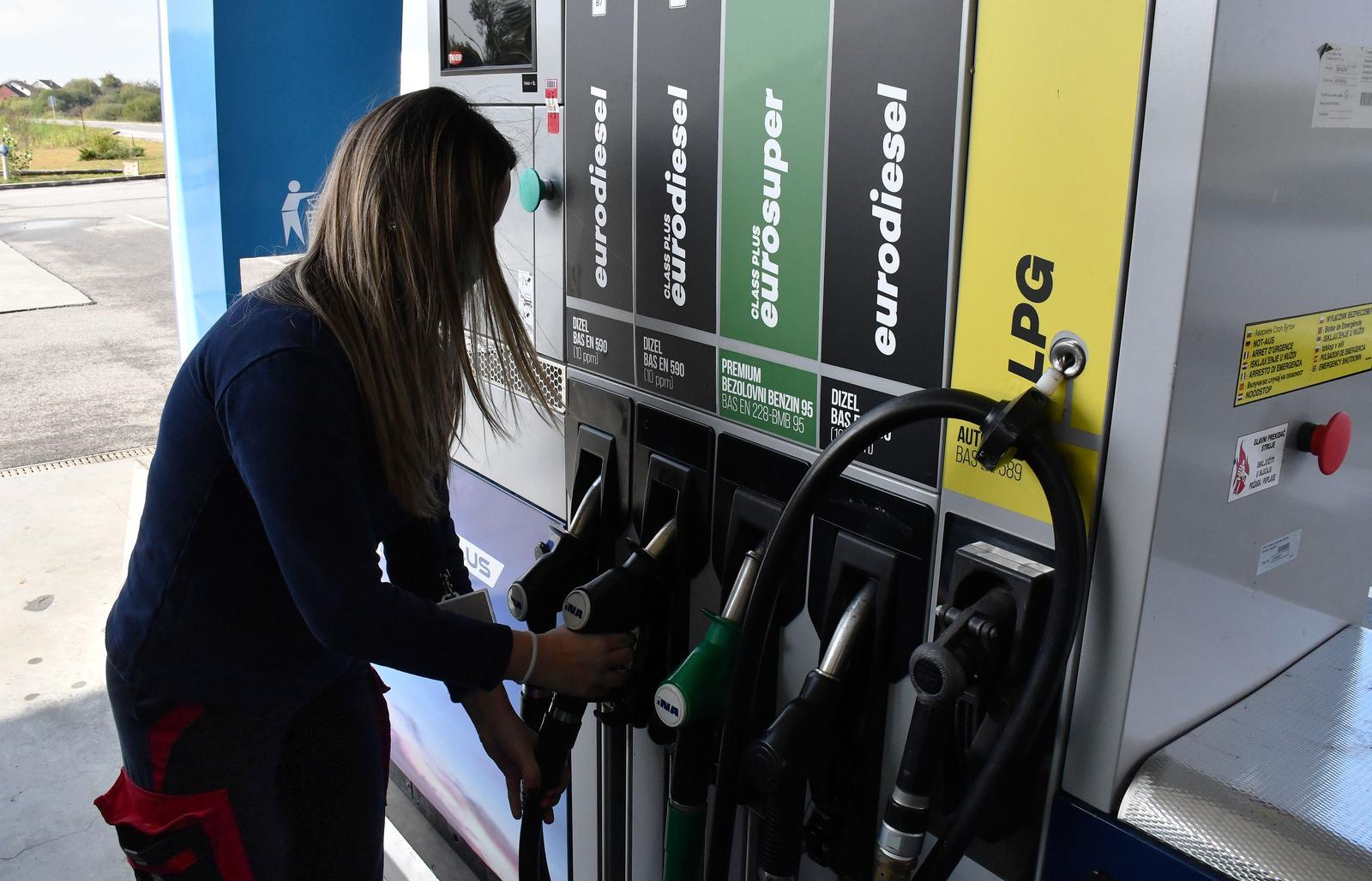 ROK OD 30 DANA BLIŽI SE KRAJU! Što dalje s cijenama goriva? Pripremite se: Doznajemo moguće scenarije